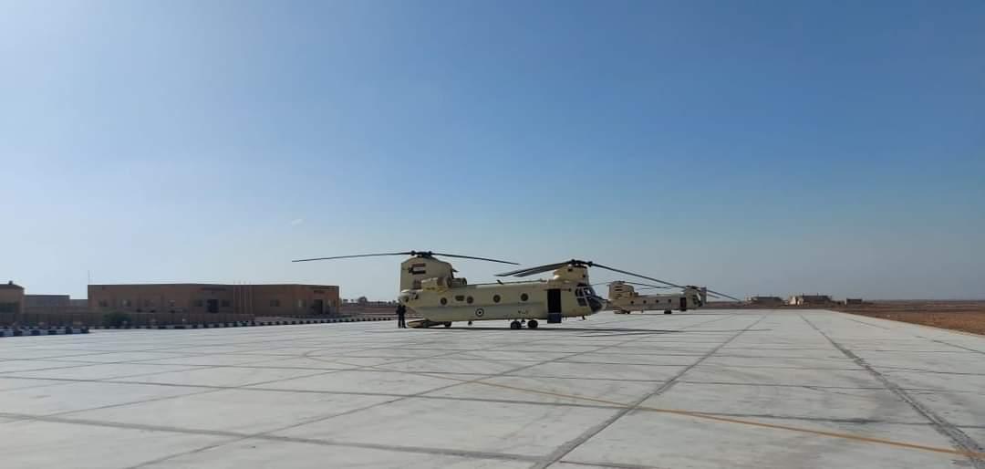 «Στη μάχη» και η Αίγυπτος: Ανέλαβαν δράση δύο ελικόπτερα τύπου Σινούκ [pics]