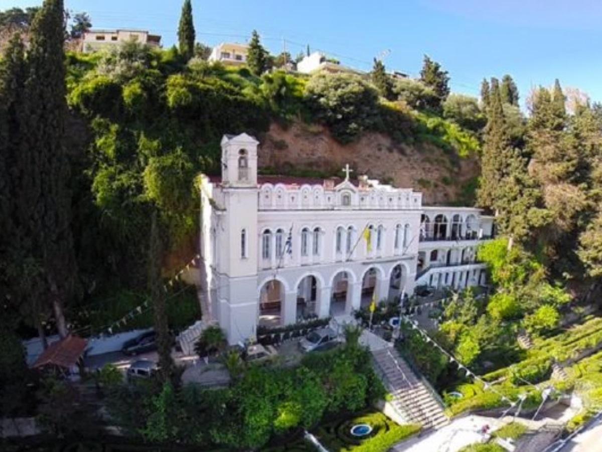 Παναγία Τρυπητή: Η μοναδική ιστορία της Μεγαλόχαρης στο Αίγιο