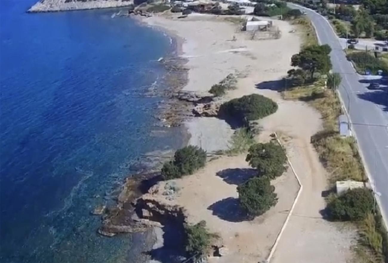 Παραλίες Αττικής: Η ξεχωριστή απομονωμένη αμμουδιά