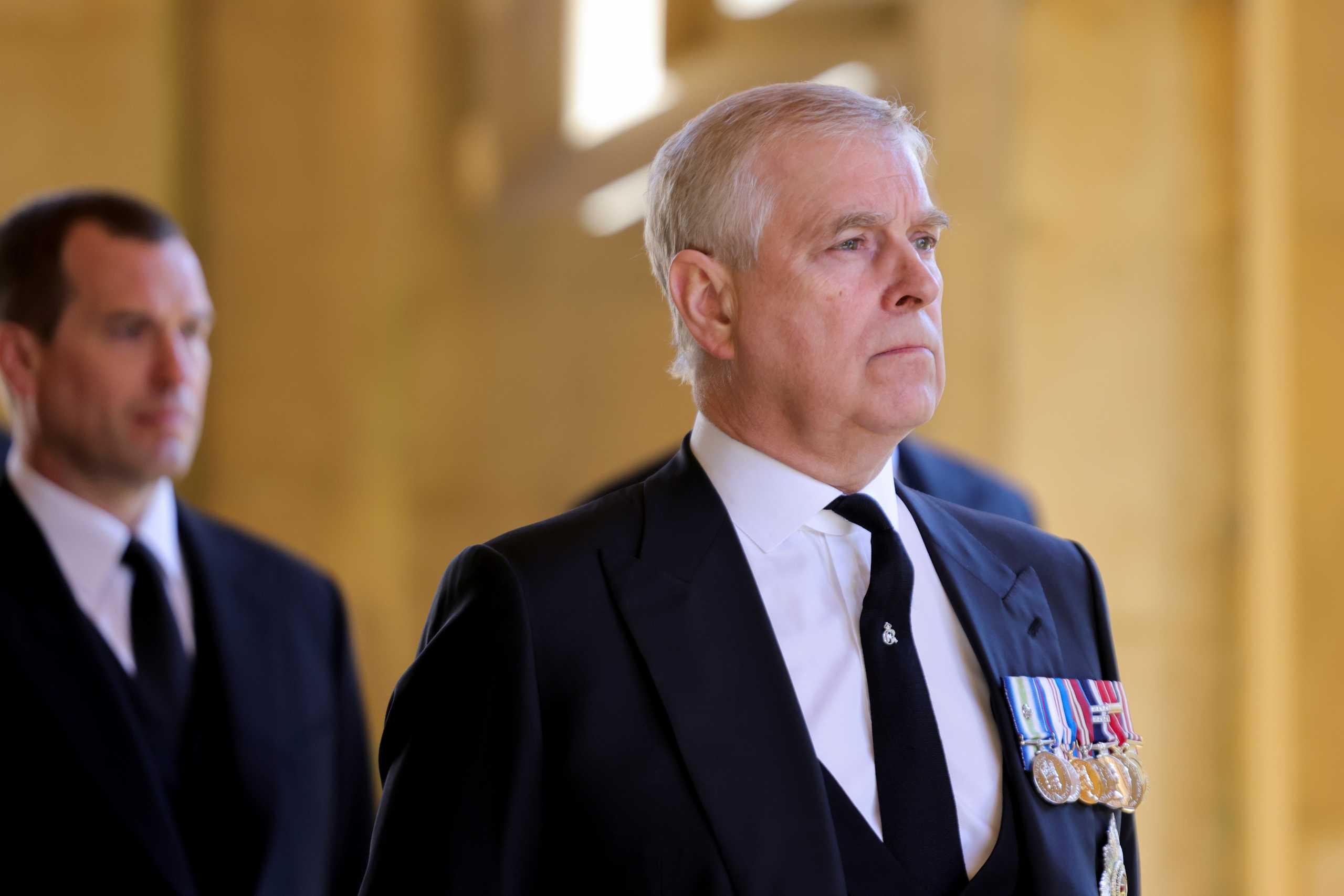 Πρίγκιπας Άντριου: Παρέλαβε μήνυση για σεξoυαλική κακοποίηση ανήλικης σε συνεργασία με τον Έπσταϊν