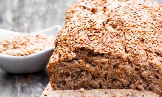 Συνταγή για να φτιάξετε το πιο υγιεινό αγιορείτικο ψωμί με λιναρόσπορο!