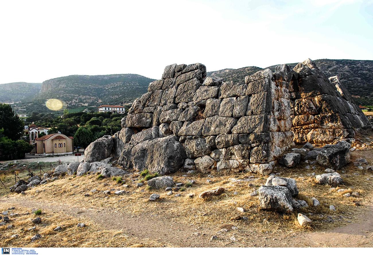 Η άγνωστη πυραμίδα της Ελλάδας δυο ώρες μακριά από την Αθήνα