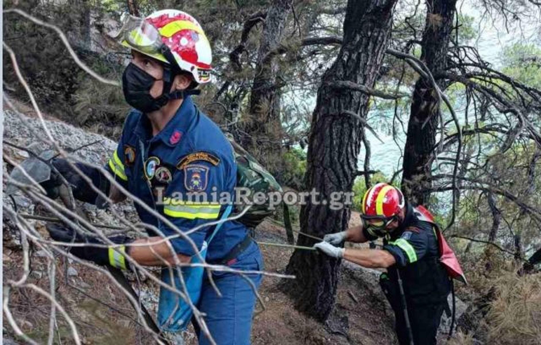 Φωτιά στην Εύβοια: Η ριψοκίνδυνη πορεία των «κομάντος» πυροσβεστών