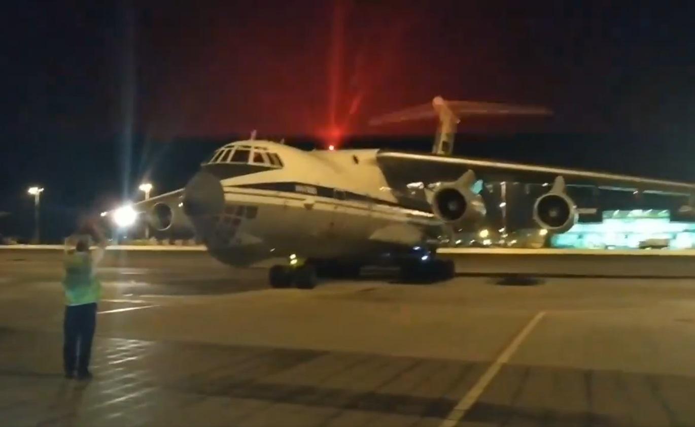 Έφτασε στην Ελλάδα το ρωσικό αεροσκάφος που παίρνει πάνω από 40 τόνους νερού και αποκαλείται «υδάτινο βομβαρδιστικό»