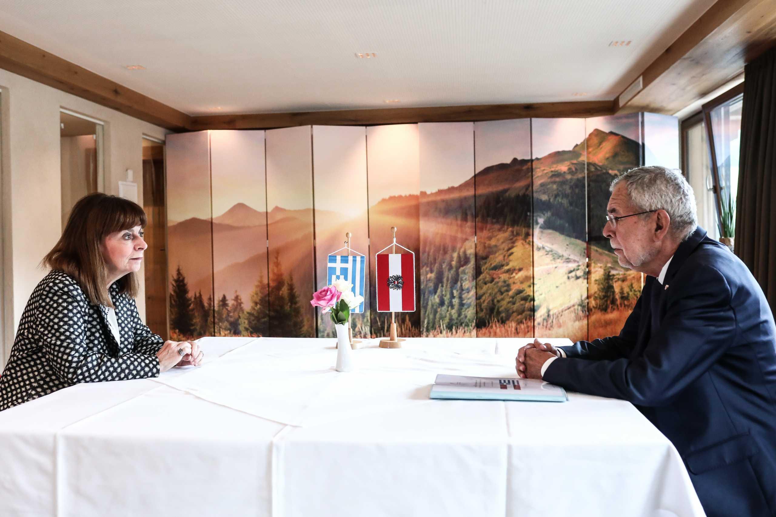Κατερίνα Σακελλαροπούλου: Συναντήθηκε με τον πρόεδρο της Αυστρίας