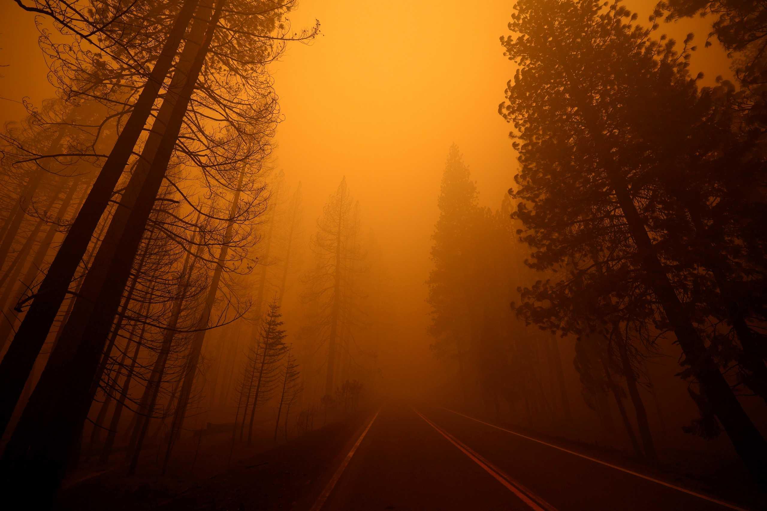 Καλιφόρνια: 8 αγνοούμενοι από την φωτιά Ντίξι – Εικόνες αποκάλυψης για μια ακόμα φορά