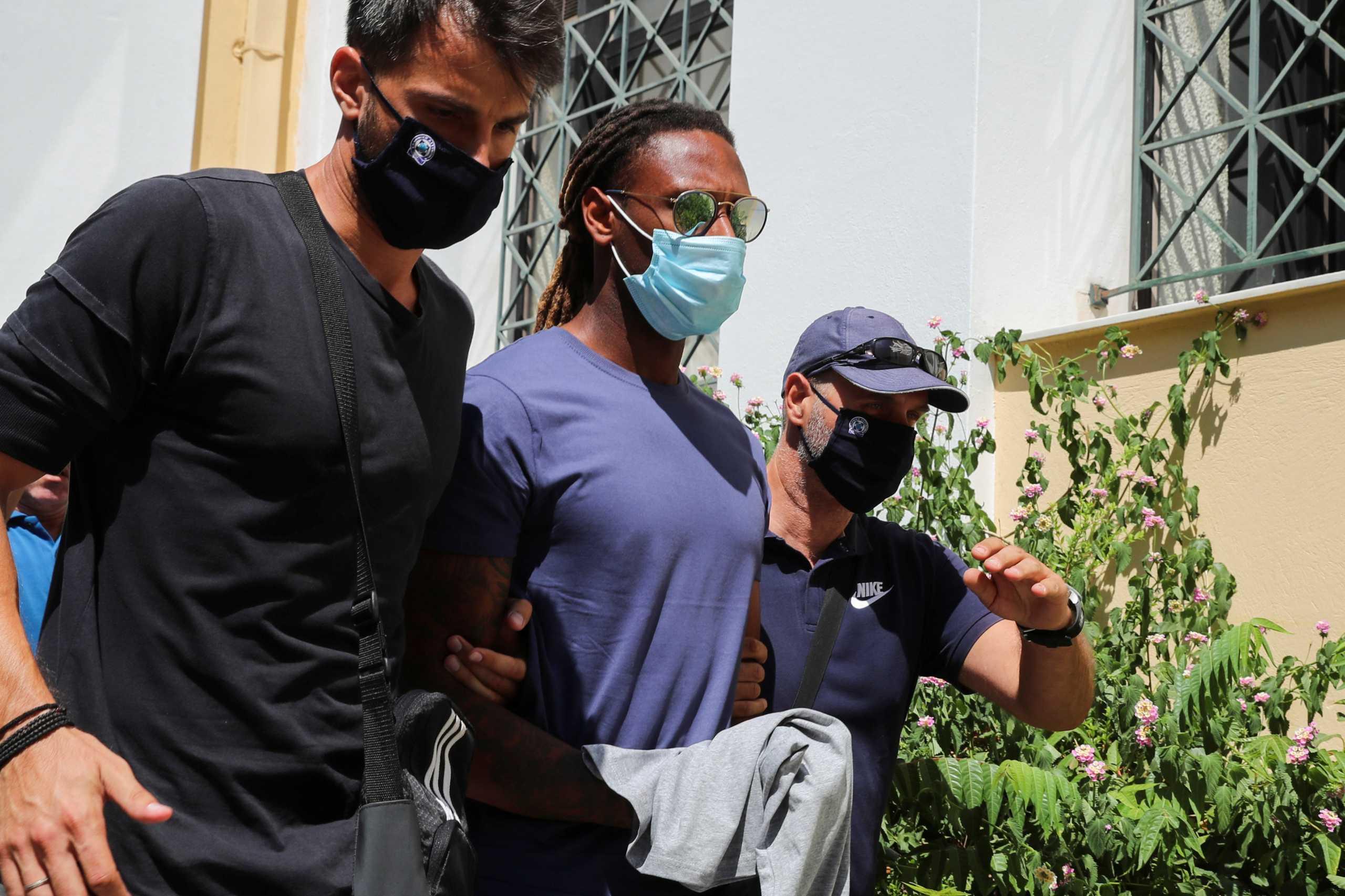 Δικηγόρος Σεμέδο: «Η 17χρονη του έστειλε μήνυμα να ξαναβγούν»