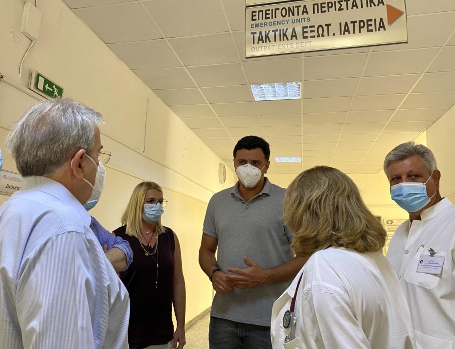 Φωτιά στη Βαρυμπόμπη: 77 πολίτες με αναπνευστικά προβλήματα