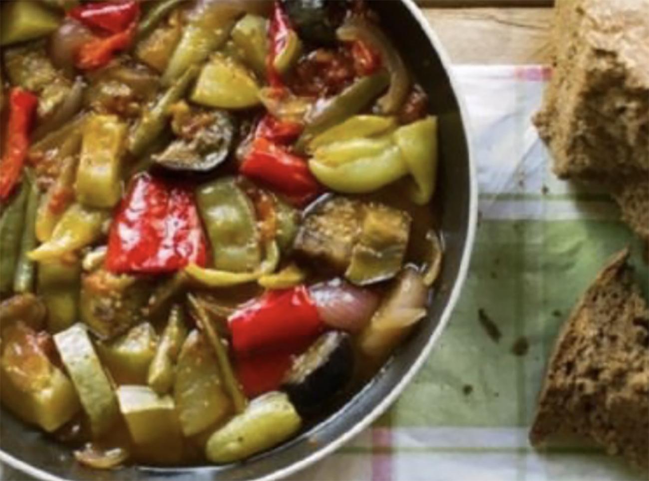 Ικαριώτικο σουφικό: Το απόλυτο καλοκαιρινό πιάτο
