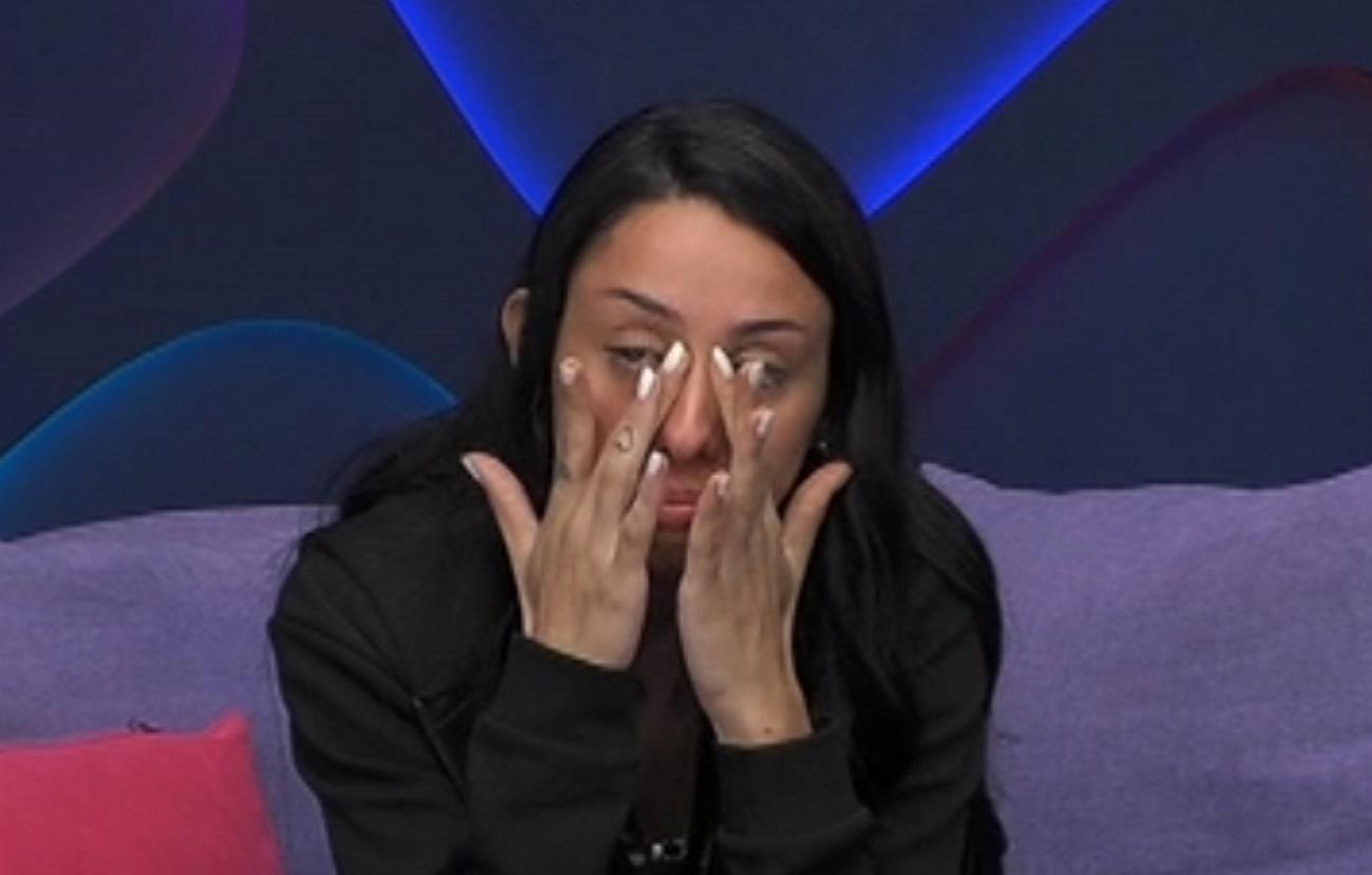 Big Brother: Ξέσπασε σε κλάματα η Ελένη με την απουσία του πατέρα της