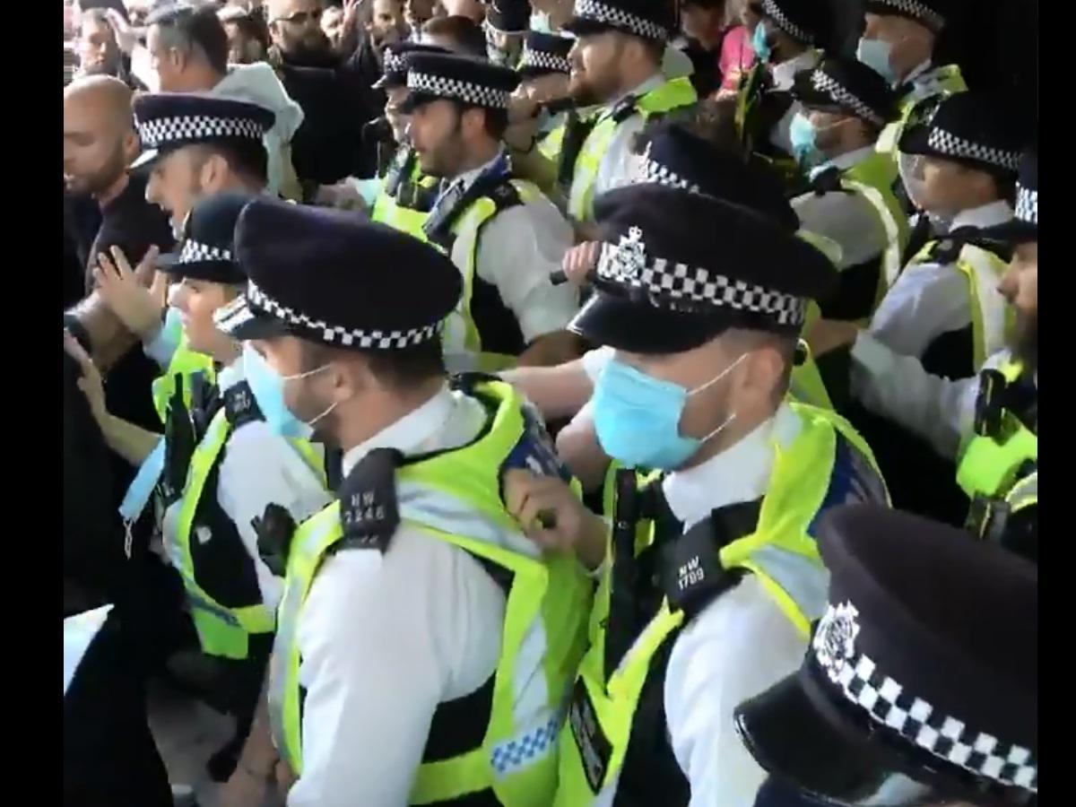 Λονδίνο: Αντιεμβολιαστές προσπάθησαν να μπουν σε στούντιο του BBC