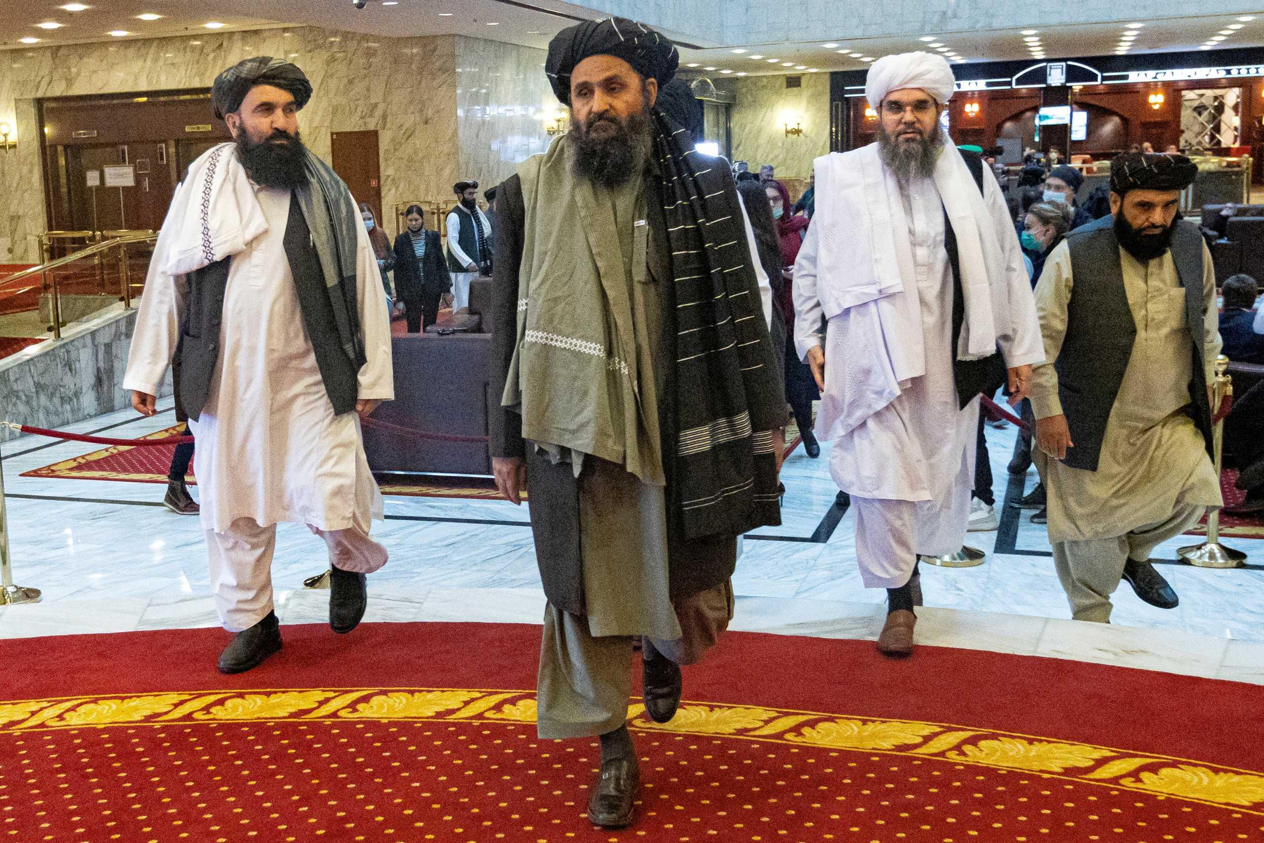 Αφγανιστάν: Στην Καμπούλ ο Νο2 των Ταλιμπάν – Ζυμώσεις για το σχηματισμό κυβέρνησης