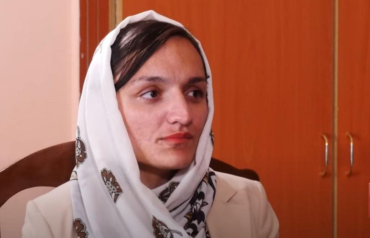 Πρώτη γυναίκα δήμαρχος του Αφγανιστάν: «Περιμένω τους Ταλιμπάν να έρθουν να με σκοτώσουν»