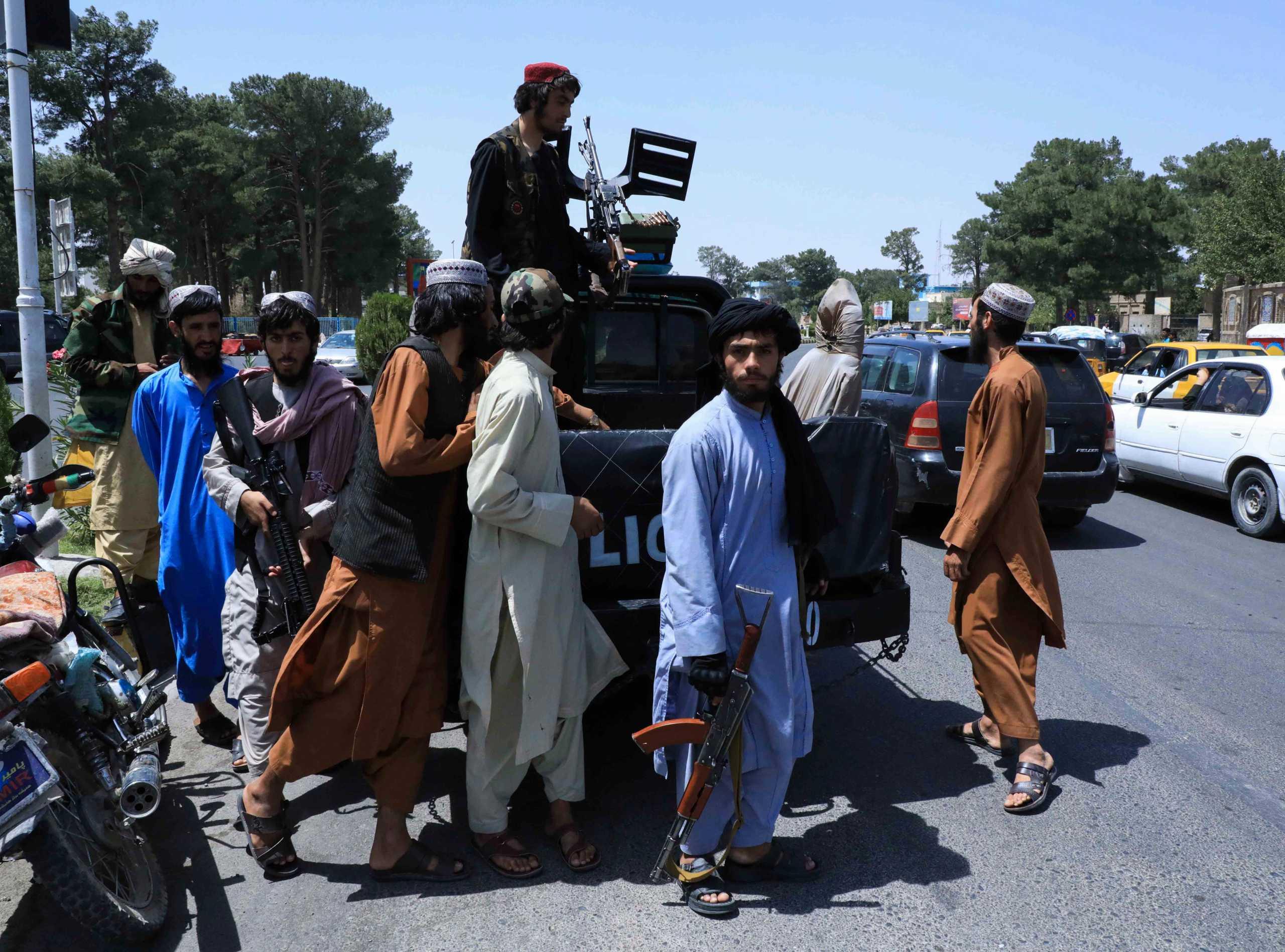 Αφγανιστάν: Στα χέρια των Ταλιμπάν και η πόλη Μαζάρ-ι-Σαρίφ