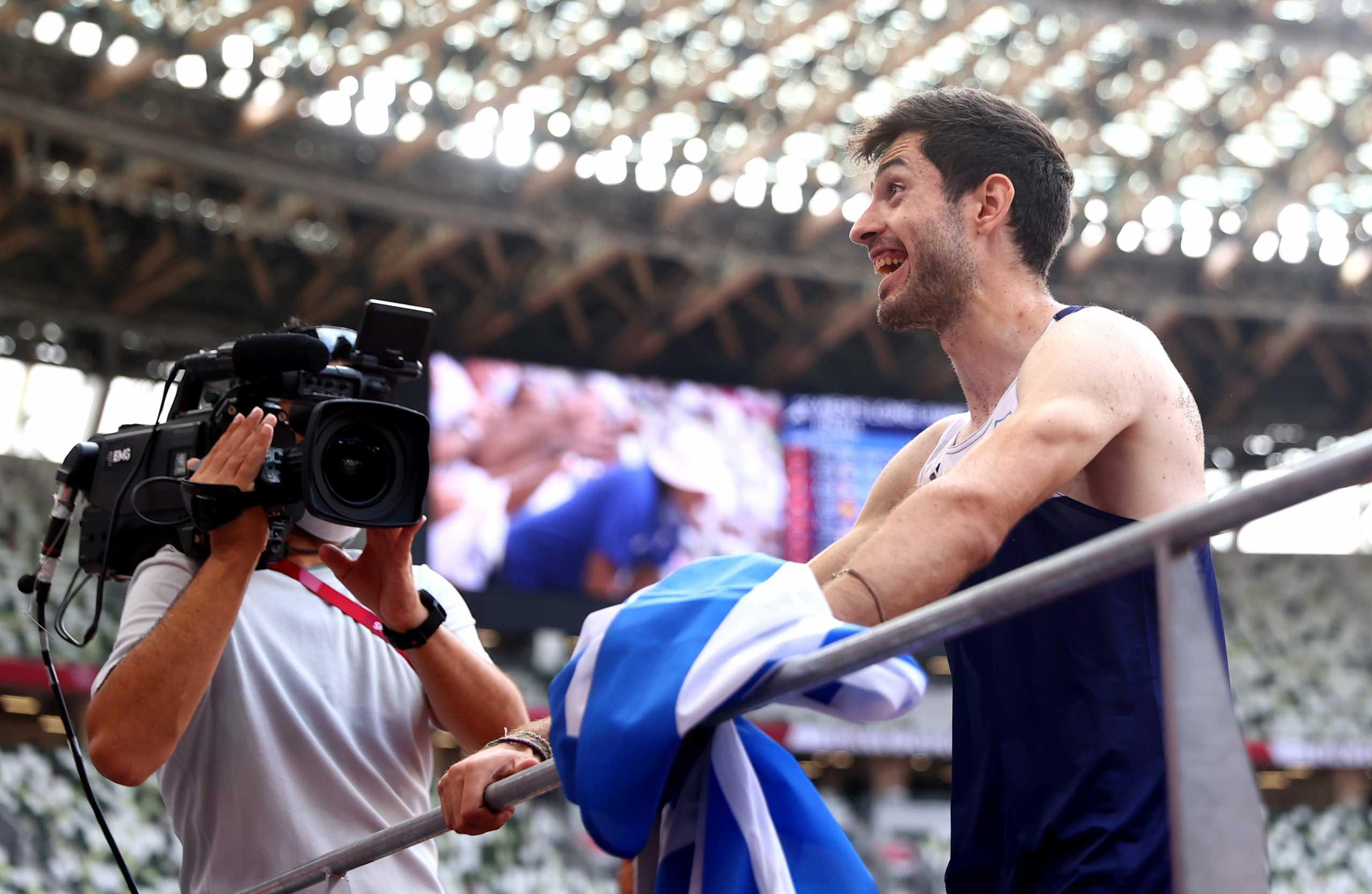 Ο Μίλτος Τεντόγλου είπε την ατάκα της χρονιάς προς την ελληνική κερκίδα μετά το χρυσό άλμα