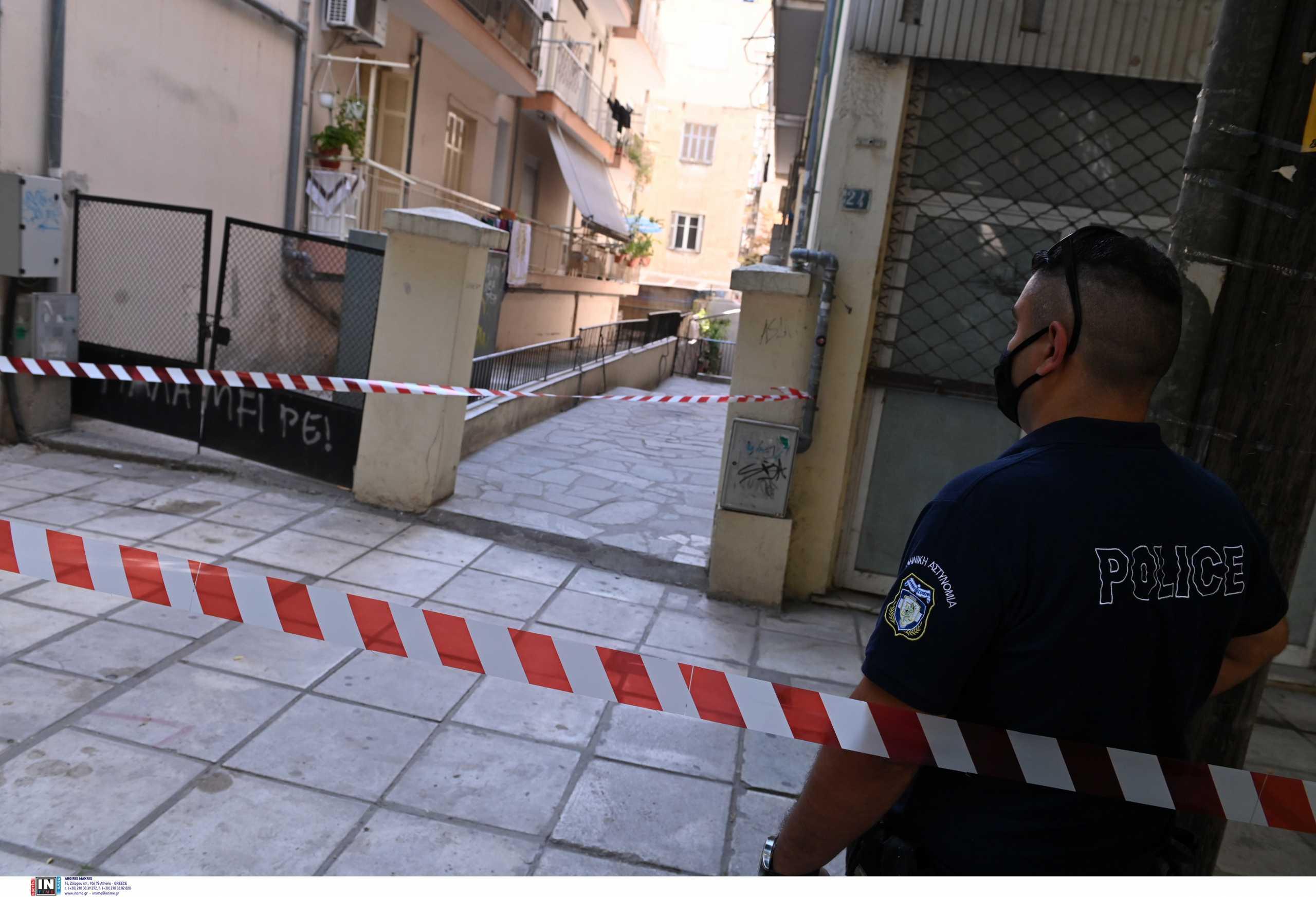 Άγρια δολοφονία στη Θεσσαλονίκη: Έσφαξε τη σύντροφό του μέσα στο διαμέρισμά της