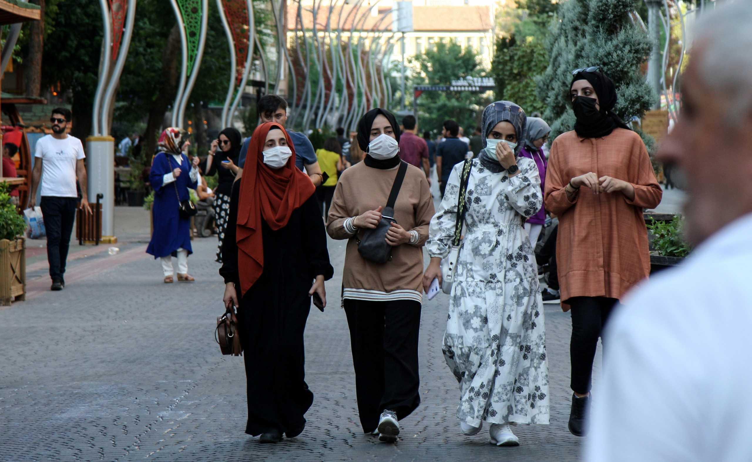108 νεκροί και πάνω από 24.000 κρούσματα κορονοϊού στην Τουρκία σε 24 ώρες