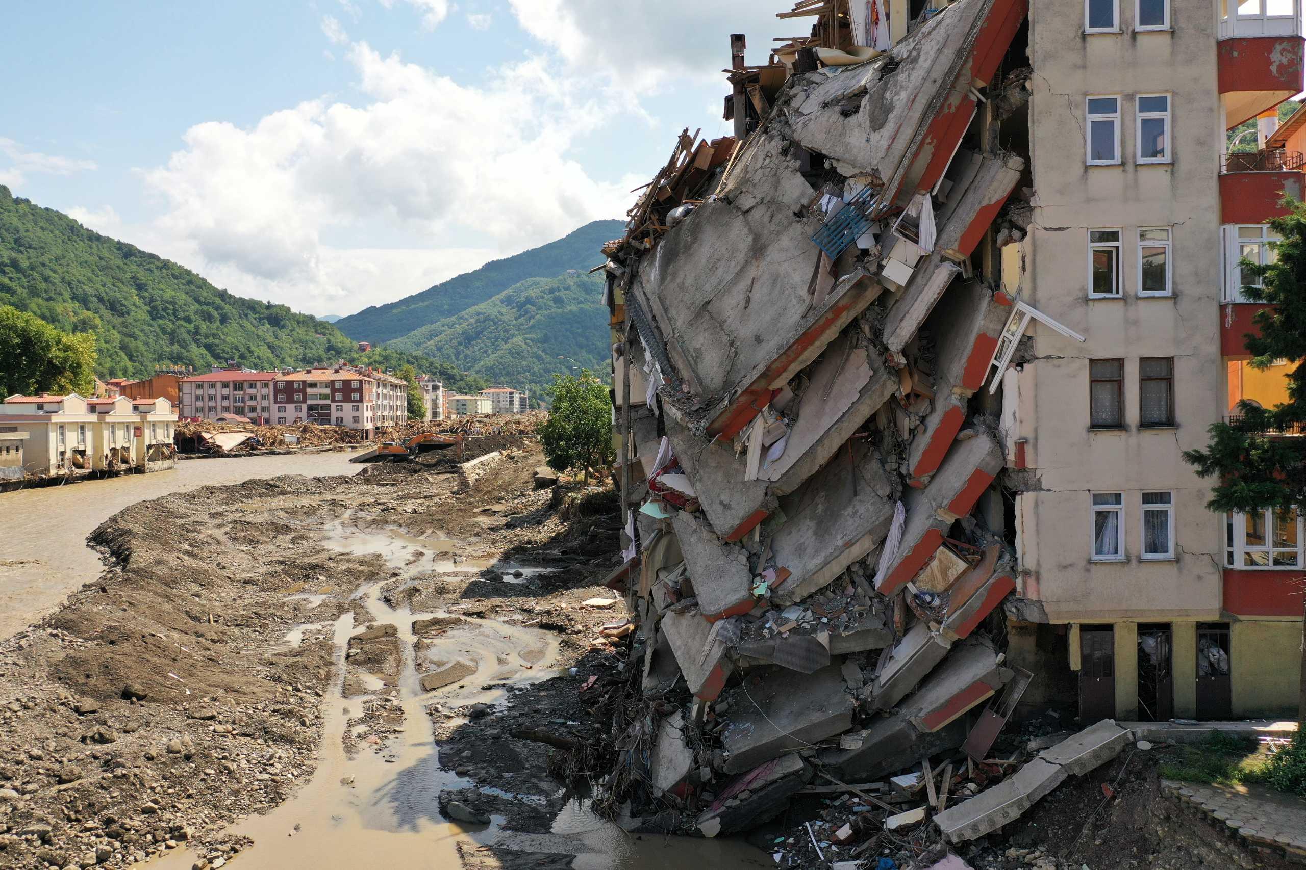 Τουρκία: 77 οι νεκροί από τις φονικές πλημμύρες