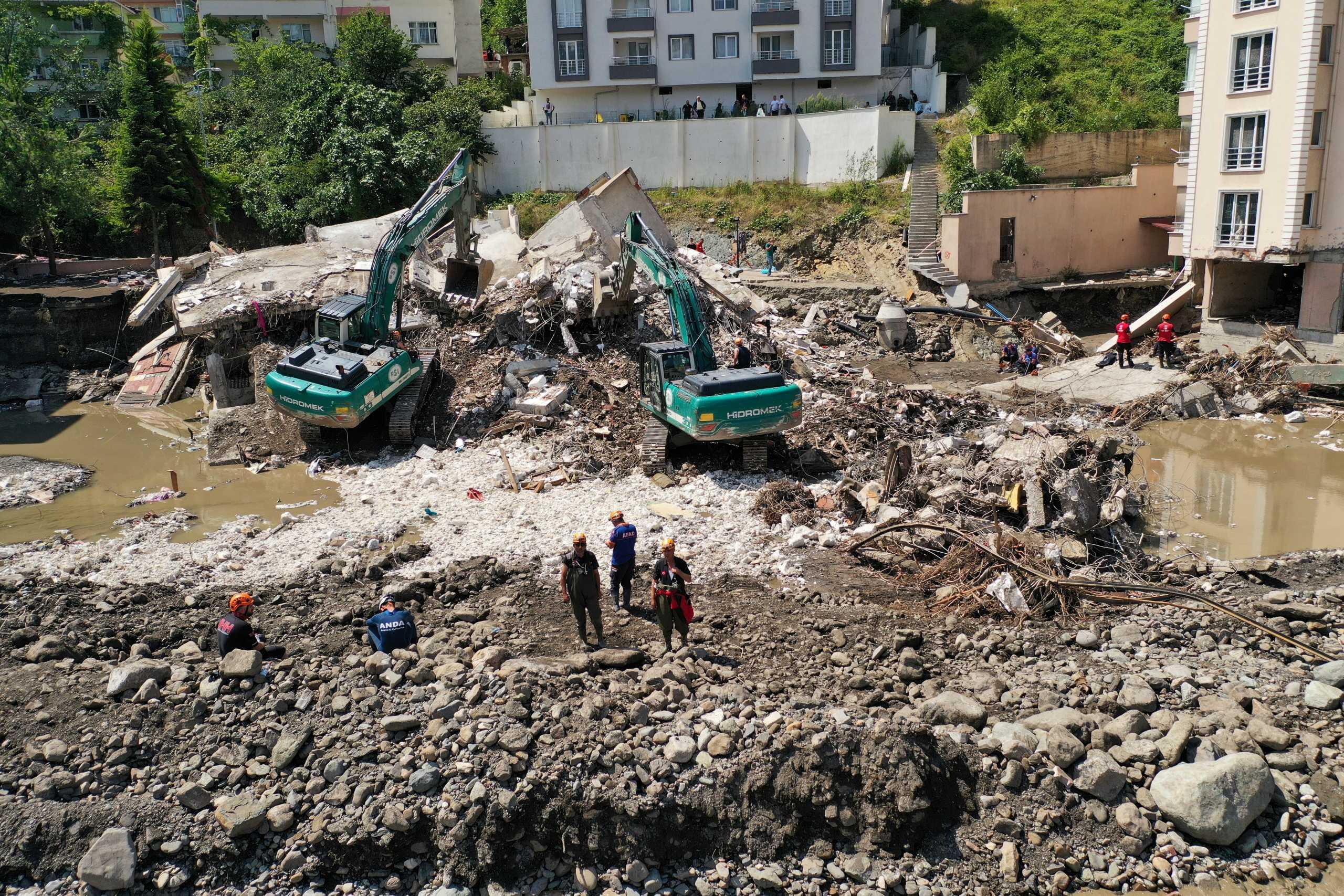 Τουρκία: Στους 62 οι νεκροί από τις πλημμύρες – Εικόνες βιβλικής καταστροφής