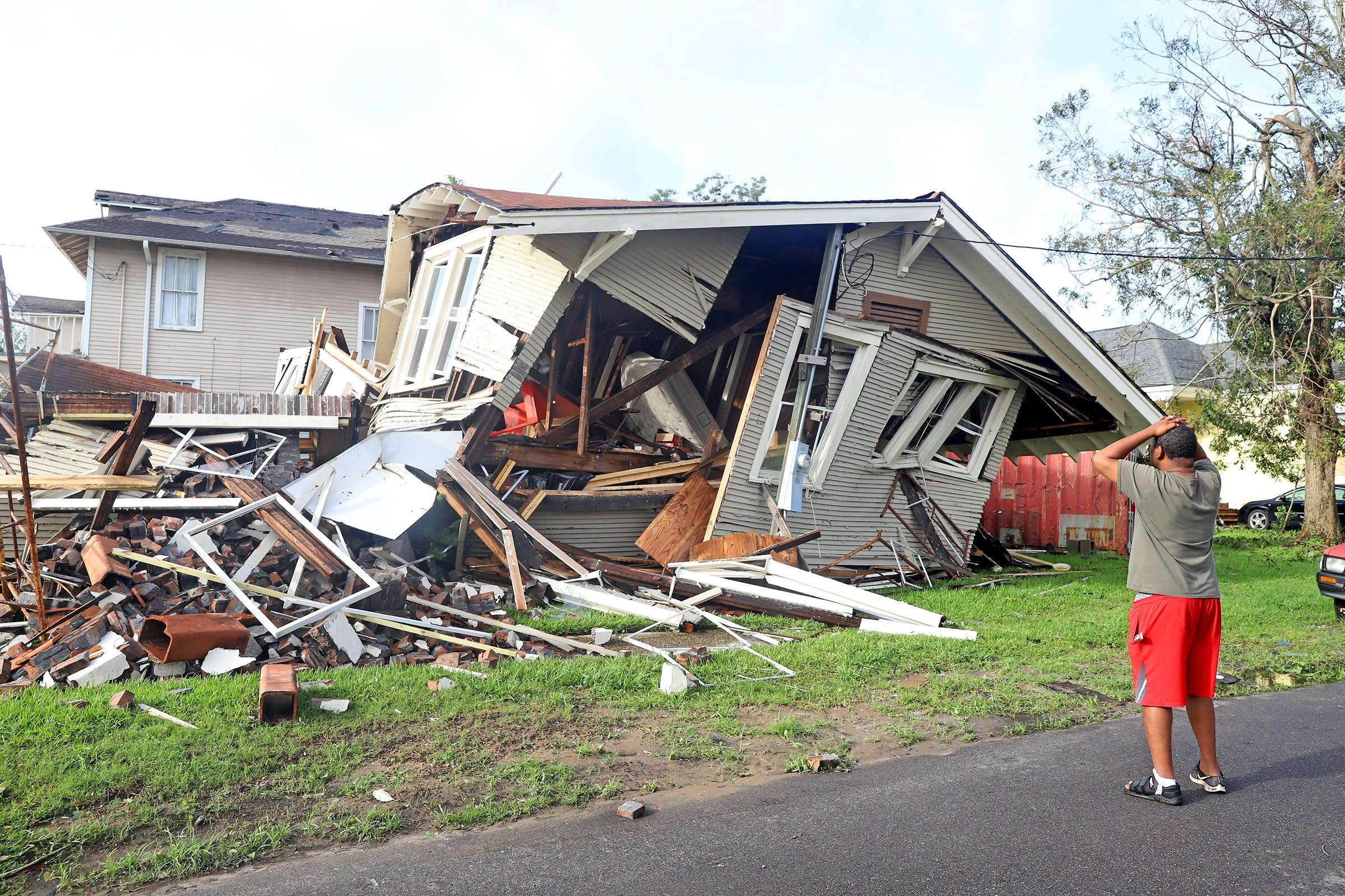 ΗΠΑ:  Καταστροφικές οι ζημιές από τον τυφώνα Αϊντα – Ένας νεκρός