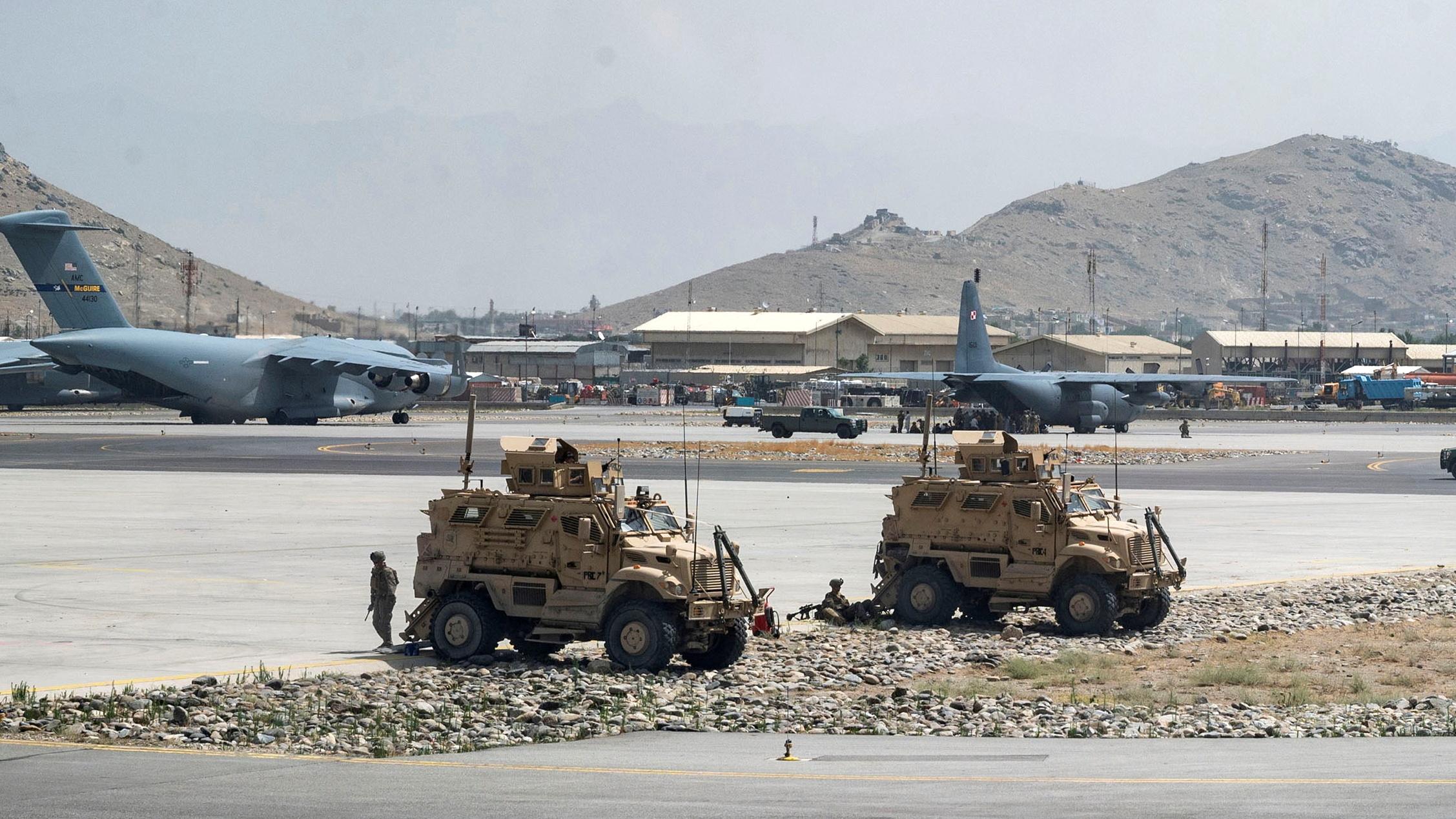 Αφγανιστάν: Οι ΗΠΑ κατέστρεψαν αεροσκάφη, θωρακισμένα και αντιαεροπορικά συστήματα πριν φύγουν
