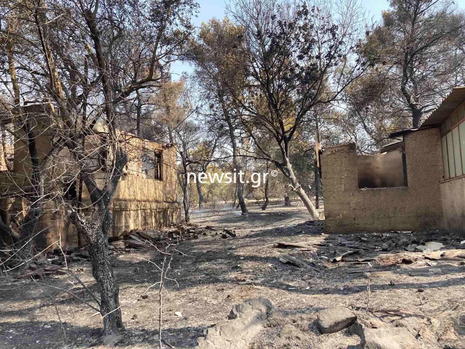 Φωτιά στην Βαρυμπόμπη: Αναζωπυρώσεις και βοήθεια και από τον στρατό