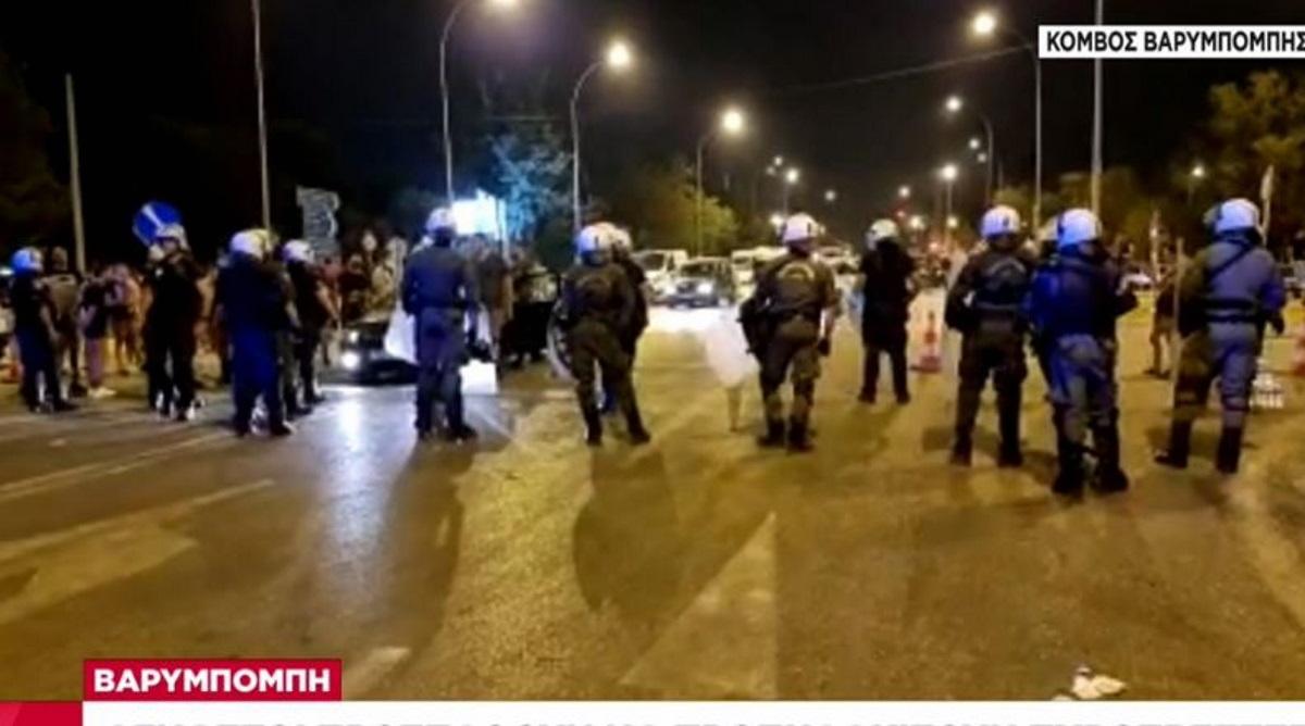 Φωτιά στην Βαρυμπόμπη – ΣΚΑΪ: «Άγνωστοι προσπάθησαν να προπηλακίσουν πυροσβέστες»