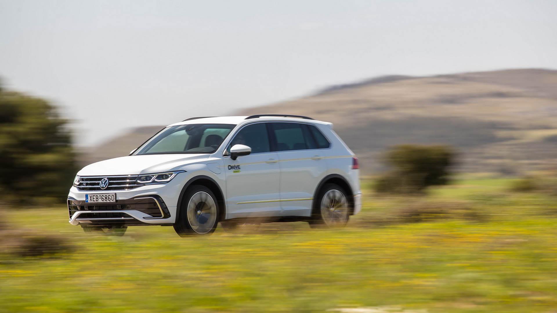 Δοκιμάζουμε το νέο VW Tiguan που μπαίνει στην πρίζα και καίει ελάχιστη βενζίνη! (pics)