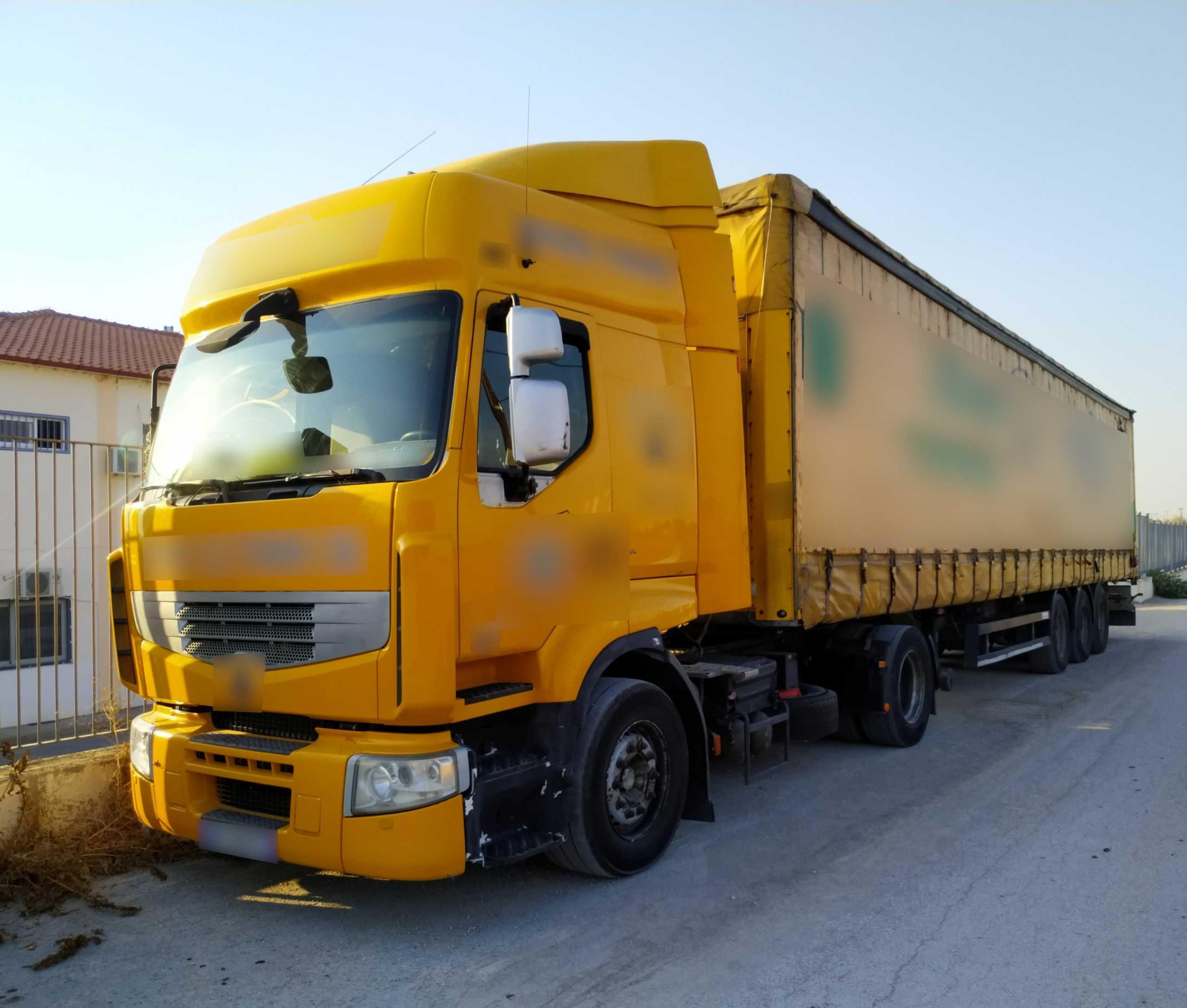 Έβρος: Άνοιξαν την καρότσα του φορτηγού και κάλεσαν ενισχύσεις – Οι εικόνες που είδαν οι αστυνομικοί