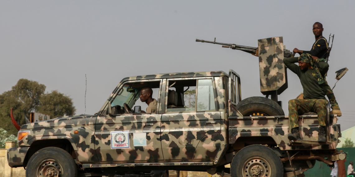 Νιγηρία: Αιματηρή εισβολή ενόπλων σε στρατιωτική βάση – 12 στελέχη νεκρά