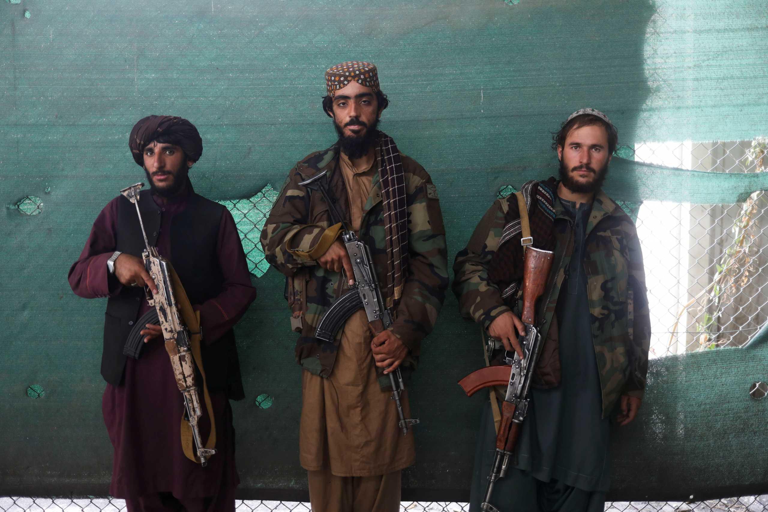 Οι Ταλιμπάν απαγόρευσαν το ξύρισμα της γενειάδας στο νότιο Αφγανιστάν