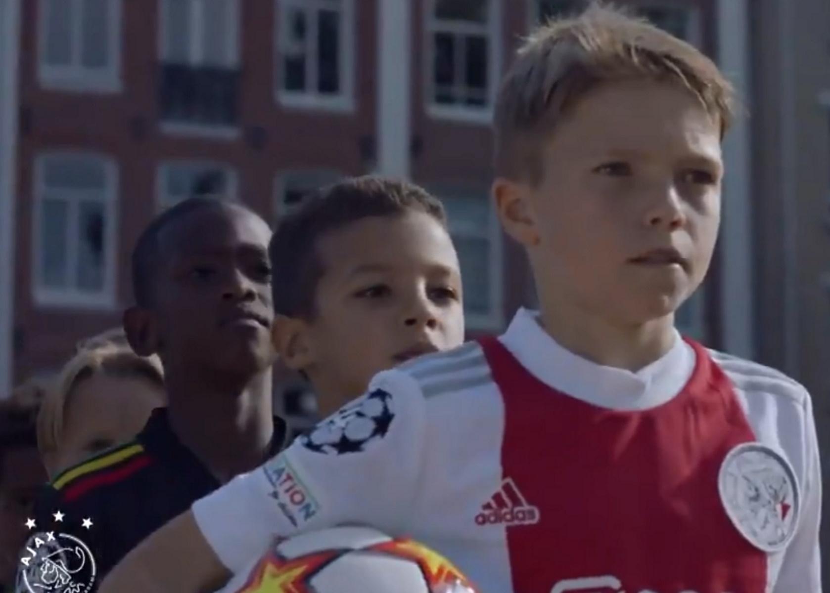 Ο Άγιαξ «δείχνει» το μέλλον και συγκινεί – Από τις «αλάνες» στο Champions League