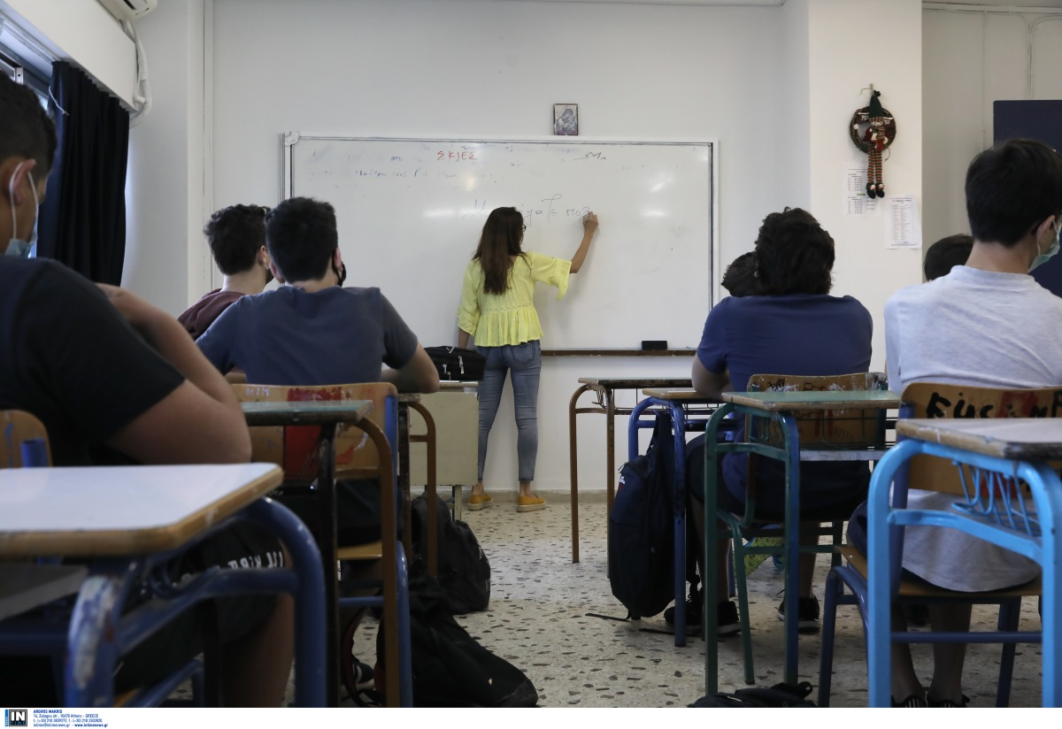 Κορονοϊός: «Στην τάξη το 30% των μαθητών θα νοσήσει» – Περιμένουν αύξηση κρουσμάτων με το άνοιγμα των σχολείων