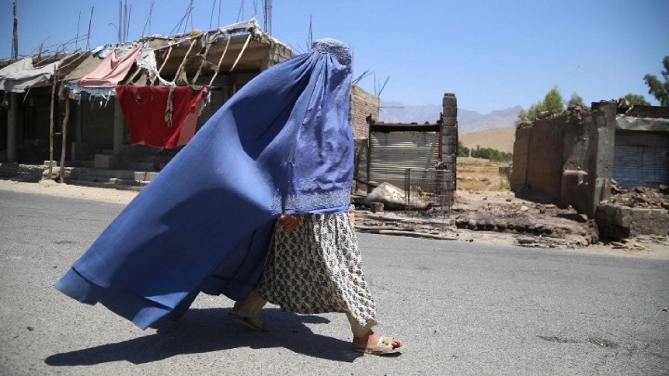Στην Ελλάδα επτά γυναίκες βουλευτές από το Αφγανιστάν με τις οικογένειές τους