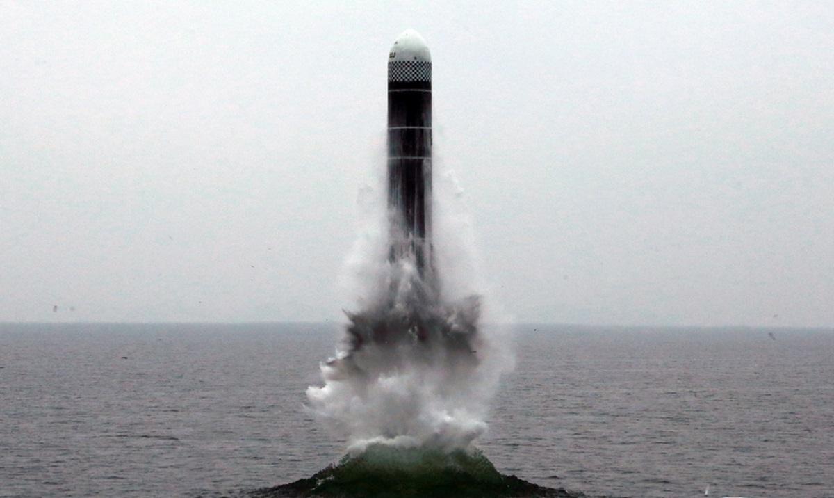 Νότια Κορέα: Δοκιμαστική εκτόξευση βαλλιστικού πυραύλου από υποβρύχιο