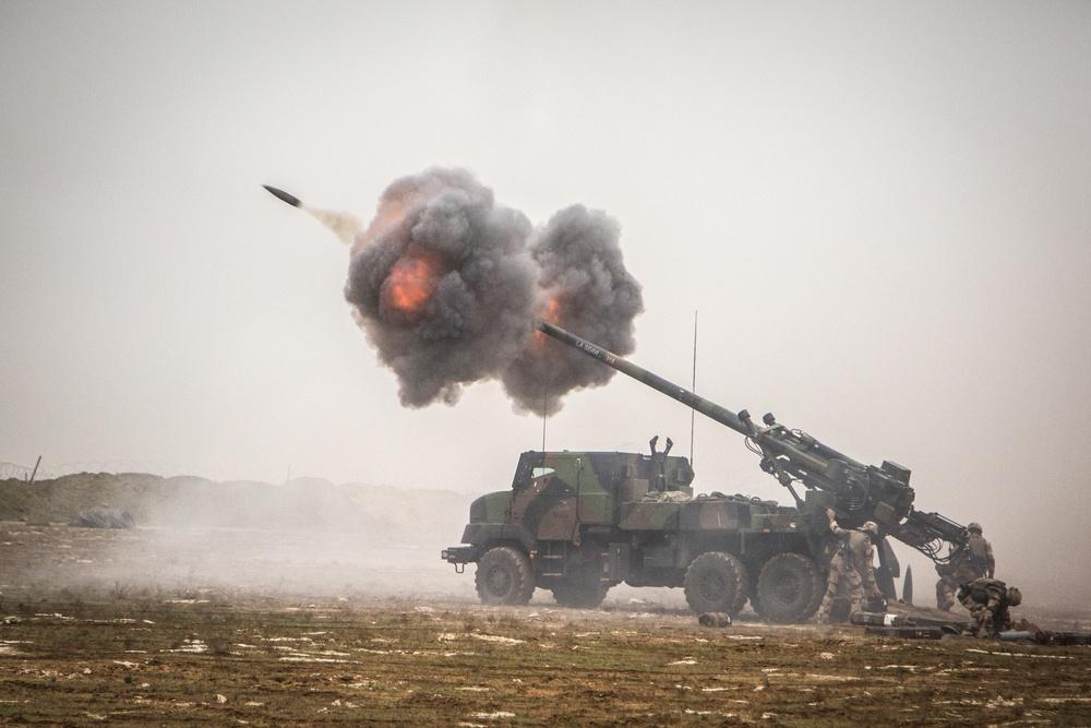 «Πήρε φόρα» η Γαλλία: Νέα συμφωνία με την Τσεχία για τα τρομακτικά πυροβόλα CAESAR