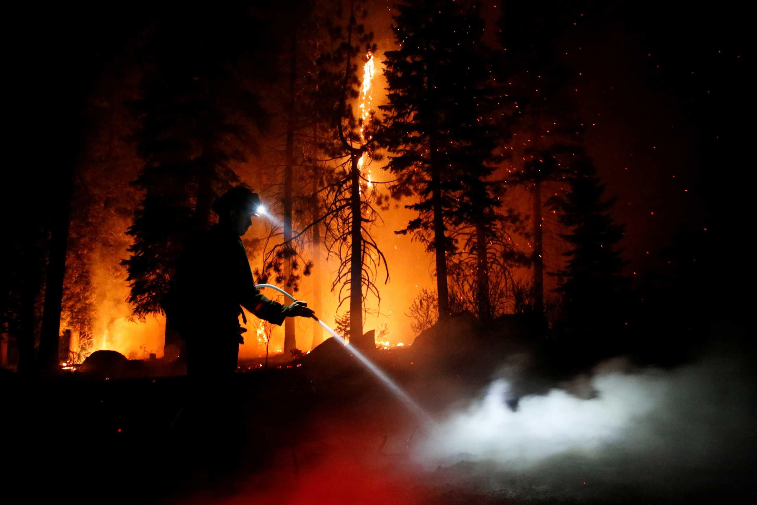 ΗΠΑ: Σε κατάσταση έκτακτης ανάγκης η Καλιφόρνια εξαιτίας  της καταστροφικής πυρκαγιάς Κάλντορ