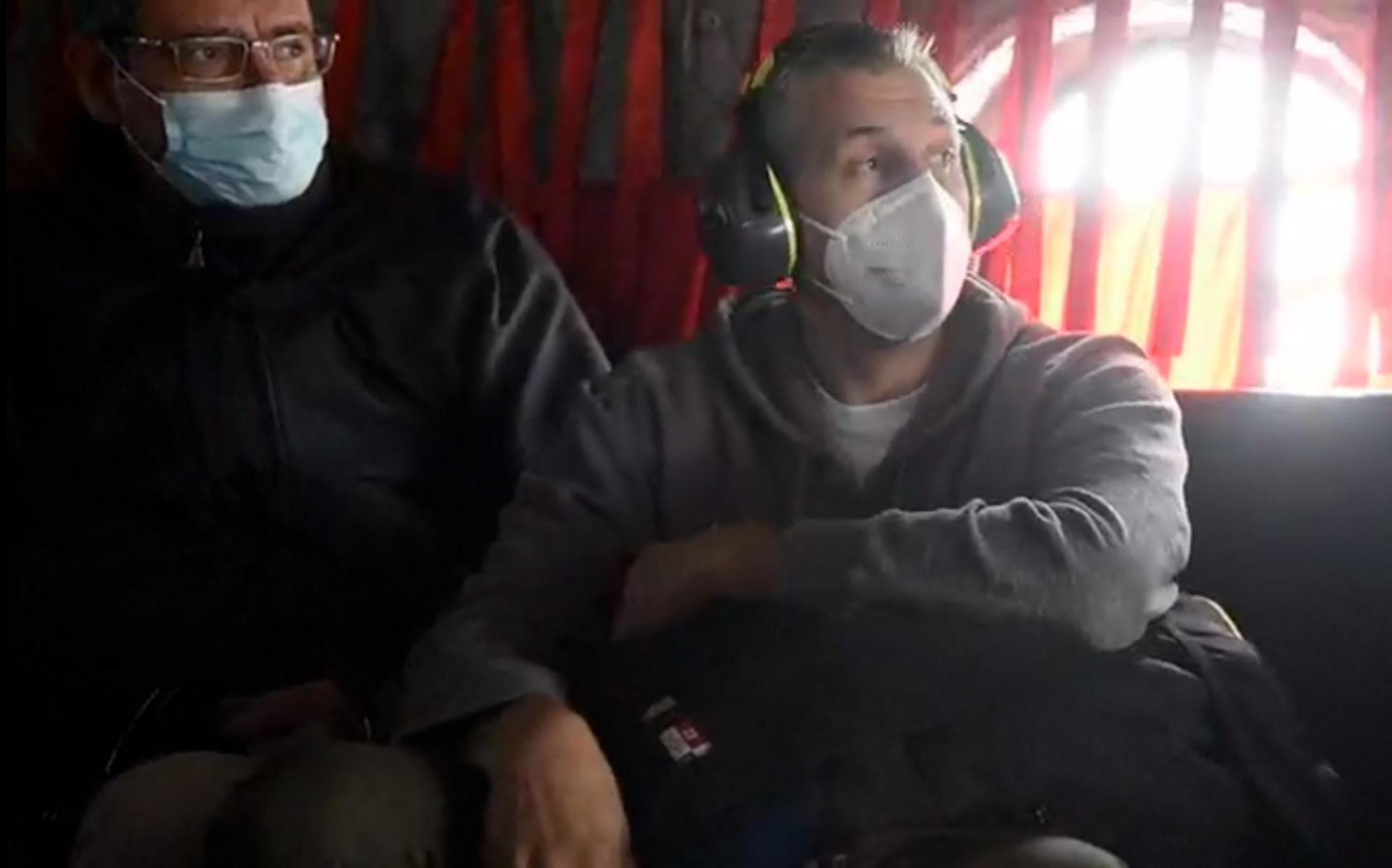 Δημήτρης Διαμαντίδης και Νίκος Φιλίππου σε ελικόπτερο Σινούκ μετά την άσκηση «Παρμενίων»