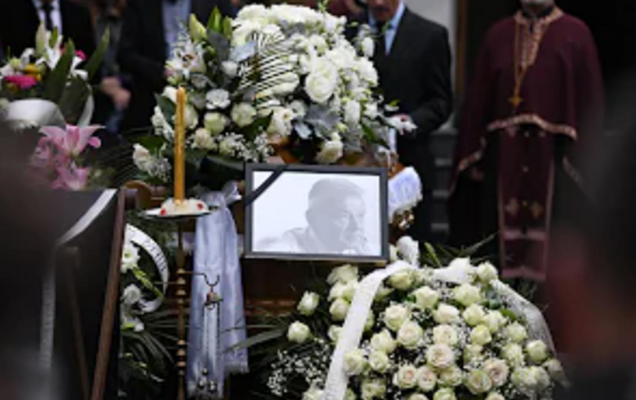 Κηδεία Ντούσαν Ίβκοβιτς: Σπανούλης και Αγγελόπουλοι είπαν το τελευταίο αντίο στον «Ντούντα»