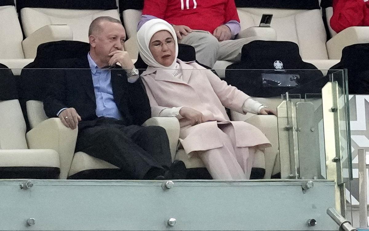Εμινέ Ερντογάν: Σφοδρές αντιδράσεις για το ρολόι των 30.000 ευρώ της Πρώτης Κυρίας της Τουρκίας