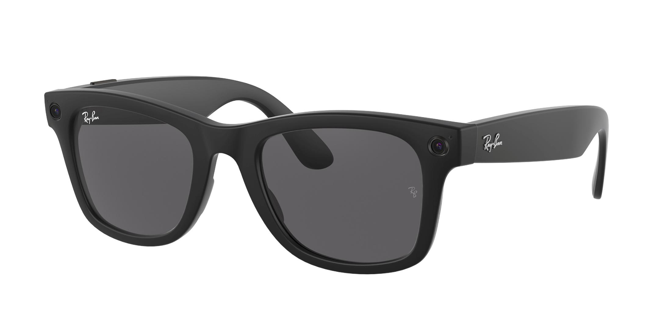 Facebook και Ray-Ban κυκλοφόρησαν τα πρώτα «έξυπνα» γυαλιά: Ακούς μουσική, βγάζεις φωτογραφίες και ποστάρεις