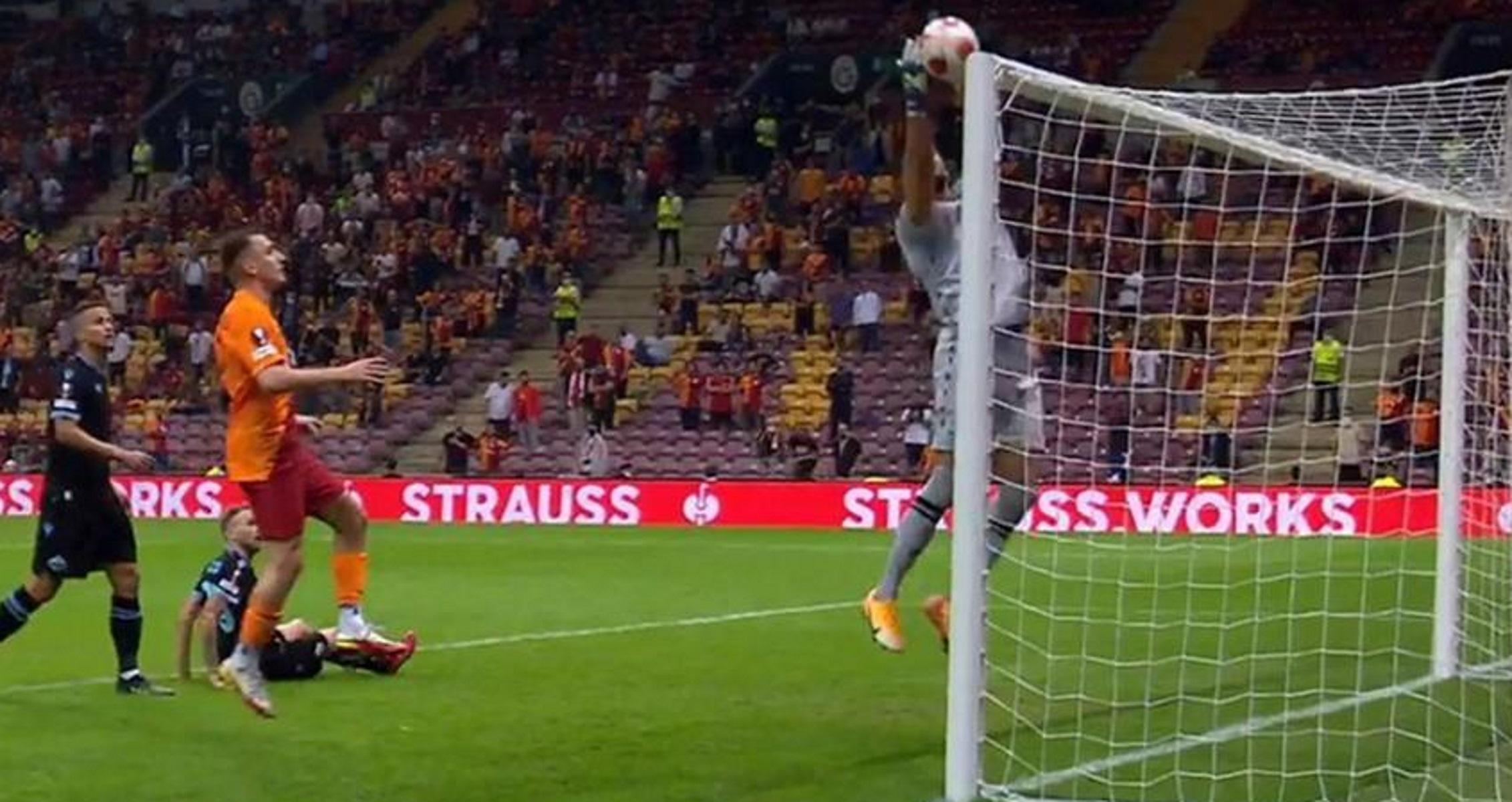 Europa League: Αυτογκόλ για Όσκαρ στο Γαλατασαράι – Λάτσιο από τον Στρακόσια