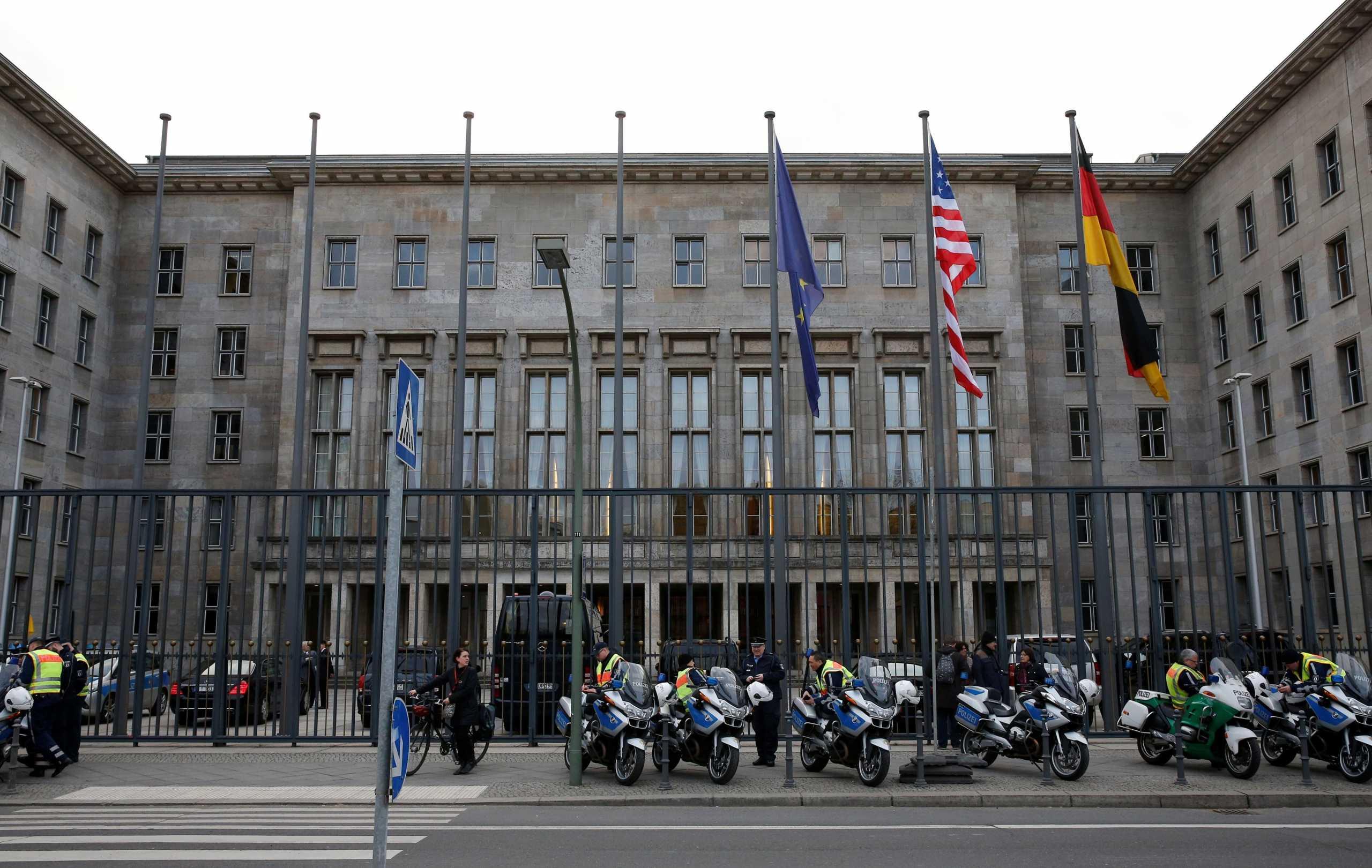 Γερμανία: Εισαγγελική έρευνα σε υπουργεία για ξέπλυμα χρήματος – Κατασχέθηκαν έγγραφα