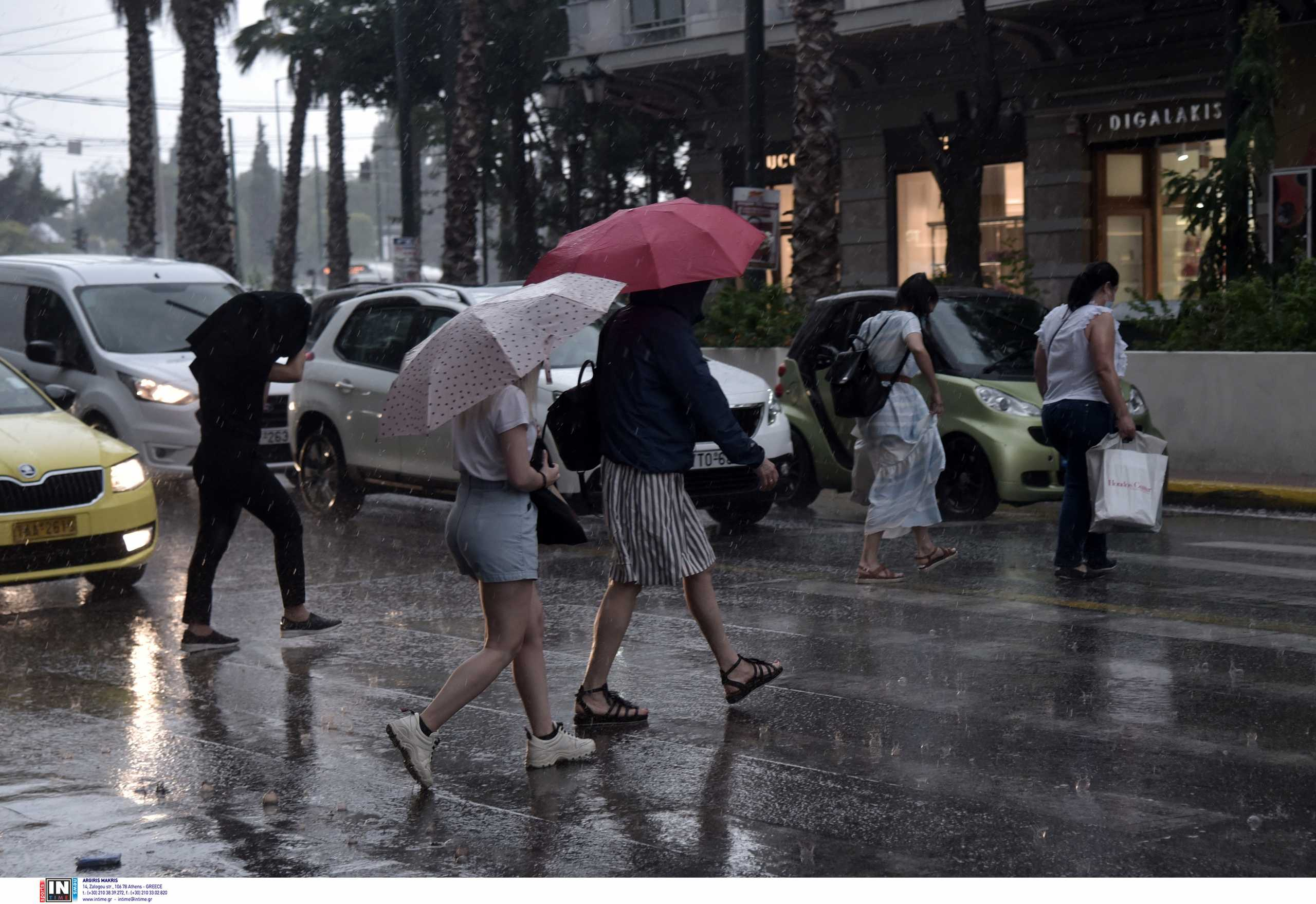 Καιρός: Ξεκίνησε η βροχή – Σε ποιες περιοχές θα πέσει χαλάζι – Χάρτες