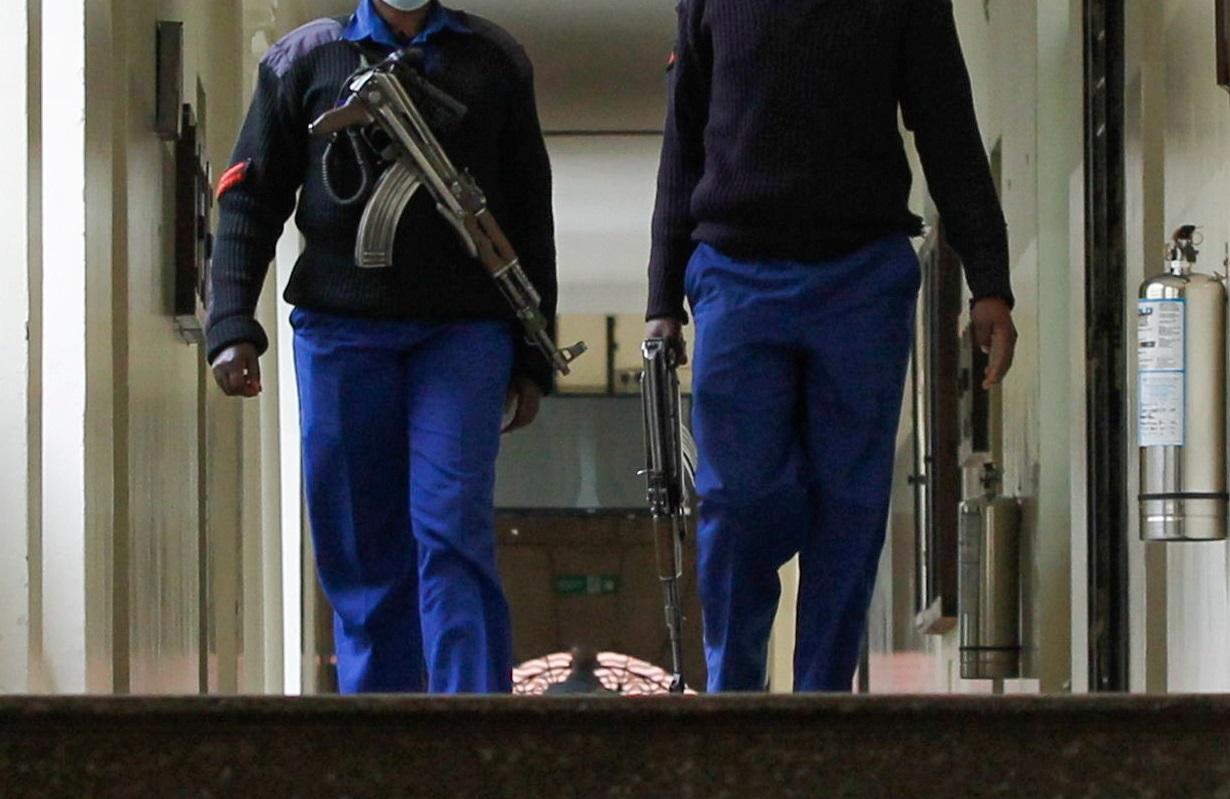 Κένυα: Έξι αστυνομικοί κατηγορούνται ότι σκότωσαν δύο νεαρά αδέρφια για παραβίαση των μέτρων της πανδημίας