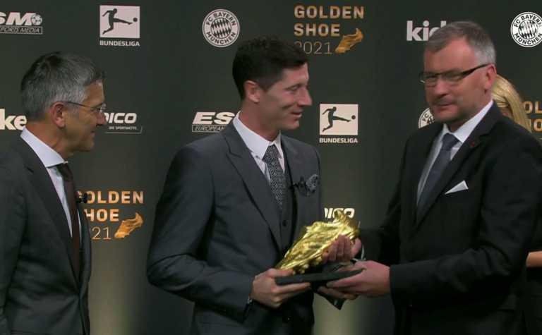 Ρόμπερτ Λεβαντόφσκι: Ο «killer» της Μπάγερν Μονάχου πήρε το «χρυσό παπούτσι» των 41 γκολ