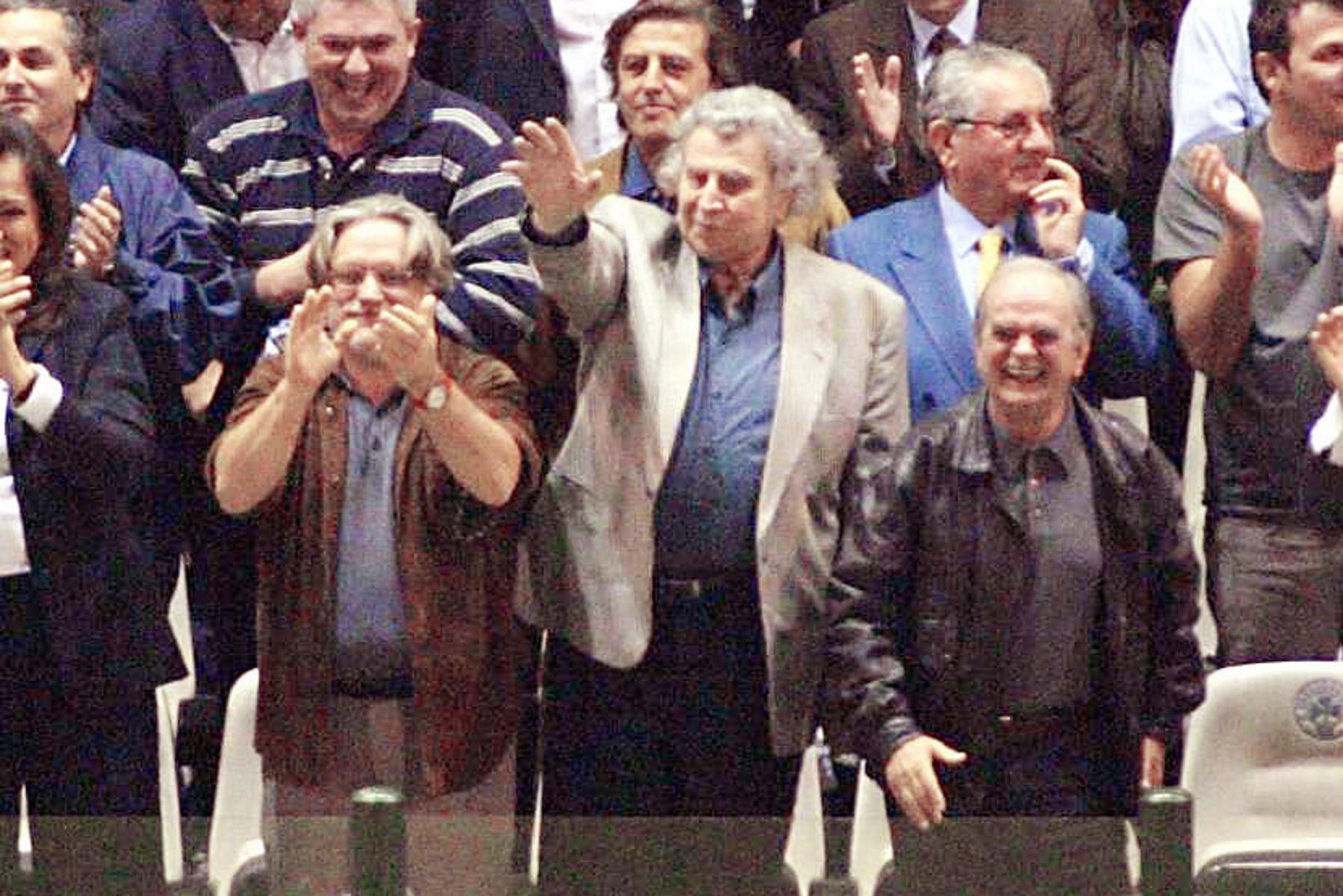 Μίκης Θεοδωράκης: Η παρουσία στη Λεωφόρο και η προσφορά στην Εθνική πριν το «έπος» του Euro 2004