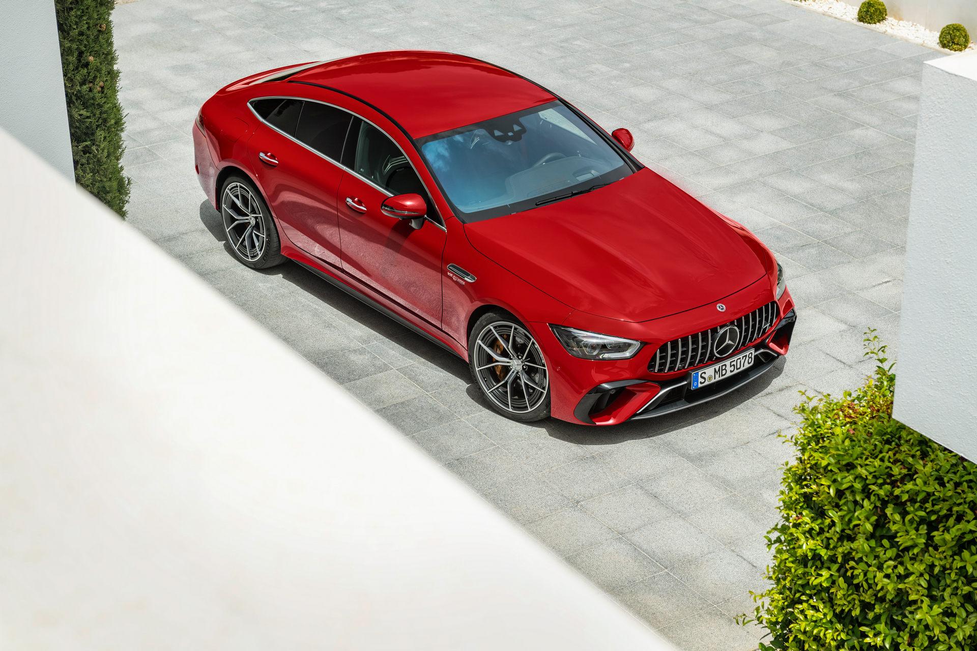 H Mercedes-Benz παρουσίασε το ισχυρότερο όχημα παραγωγής της (video)