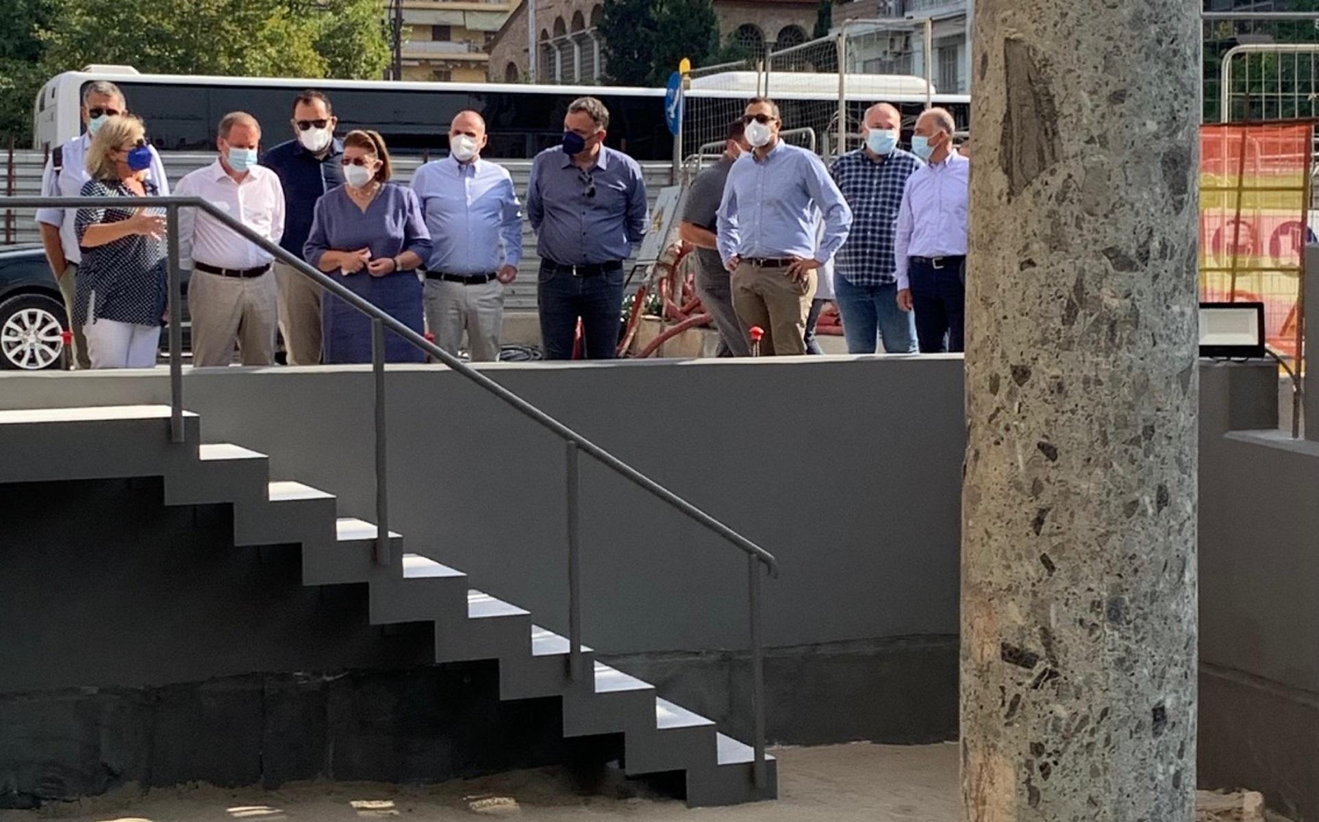 Μετρό Θεσσαλονίκης: Αυτοψία Λίνας Μενδώνη και Κώστα Καραμανλή στον σταθμό Αγίας Σοφίας