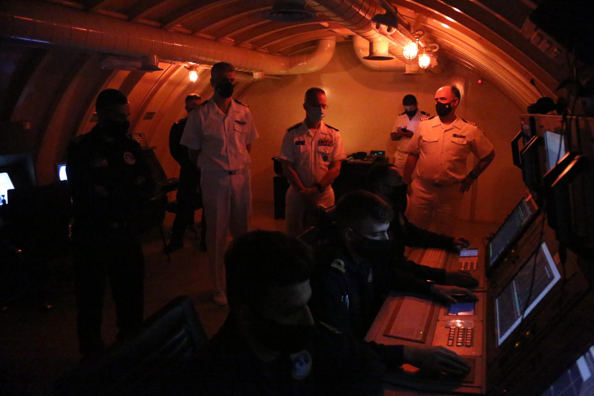Πολεμικό Ναυτικό: Ο Διοικητής Υποβρυχίων NATO «έκανε άσκηση» με το υποβρύχιο «Κατσώνης»